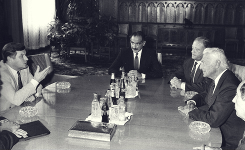 Work meeting with a Jugoslavian government representative in October 1988