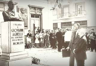 Gianni Agnelli at the celebration  for the centenary of the birth of his grandfather in 1966 in Villar Perosa.