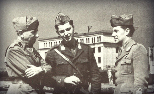 Gianni (centre of photo) Italian Expeditionary Corps in Russia in 1940.