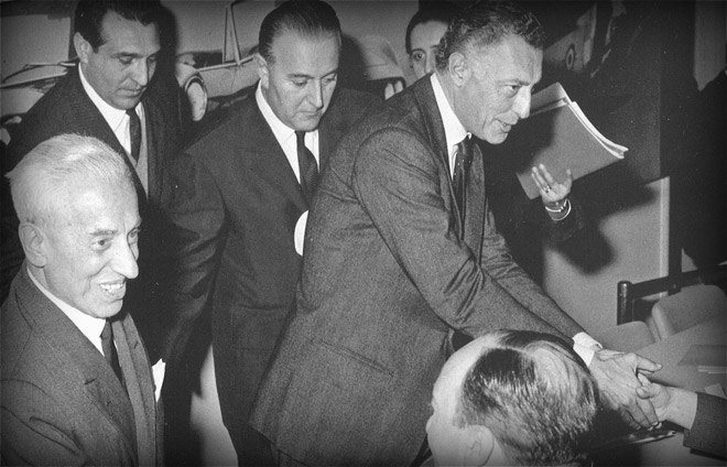 Transfer of  Fiat's chairmanship between Vittorio Valletta and  Gianni Agnelli in  1966.